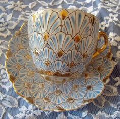 Cofee cup/tea cup in a beautiful gold and blue art nouveau style. Very beautiful collectible china cup