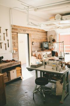"Love the wood wall. Amy's ""Back to Her Roots"" Workspace: The Studio of Stitch & Hammer Workspace Tour via Apartment Therapy Inspiration Garage, Workspace Inspiration, Best Office, Home Office, Garage Office, Office Decor, Apartment Therapy, Apartment Design, Garage Art Studio"