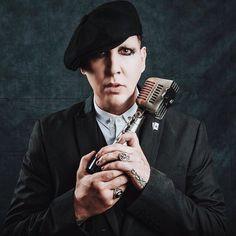 Marilyn Manson say10 apmaawards