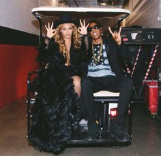 Beyonce and Jay Z Have Stopped Wearing Rings and Will Divorce After Tour, Says Source