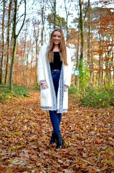 COZY CARDIGAN - fall - black and white - vintage life en vogue - outfit - blogger