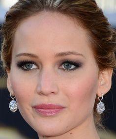 Maquiagem Oscar 2013 Jennifer Lawrence. Veja quais produtos foram usados no make da atriz!