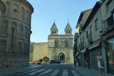Interior Nueva Puerta de Bisagra, en Toledo