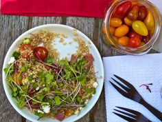 Day BLT a Quinoa Salad - love this salad Vegetarian Lifestyle, Healthy Food, Healthy Recipes, Kitchen Corner, Meat Lovers, 31 Days, Quinoa Salad, Salad Dressing, Dressings