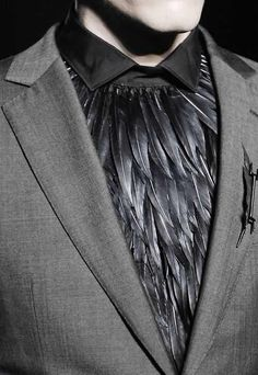 Feathered shirt - The purpose of. to engage the senses. to show creativity. the well feathered men of the upper class. Fashion Moda, High Fashion, Mens Fashion, Gothic Fashion Men, Gothic Men, Fashion Menswear, Stage Outfit, Costume Original, Fashion Details
