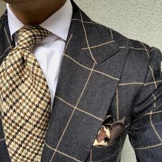 A Beginners Guide to Choosing, Buying, and Wearing a Men's Suit ~ Fashion & Style Dapper Gentleman, Gentleman Style, Sharp Dressed Man, Well Dressed Men, Mens Fashion Suits, Mens Suits, Moda Formal, Mode Costume, Style Masculin