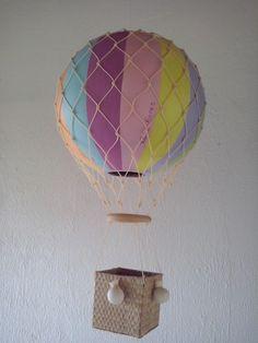 Balão feito em cabaça modelo vitoriano.