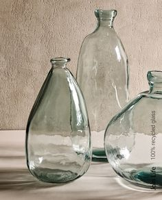 Zara Home Danmark Bottle Vase, Bottles And Jars, Perfume Bottles, Deco Cool, Recycled Decor, Recycling, Photo Deco, Recycled Glass Bottles, Living Furniture