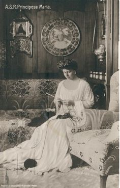 Königin Marie von Rumänien, Queen of Romania << knitting knitter portrait