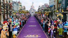 """TURISMO (S., 5 oct 2013)       - """"Los 20 parques temáticos más visitados de Europa"""" .. No solo de Disneyland París viven los fans de los parques temáticos. He aquí veinte oasis de diversión en Europa, los más visitados .."""