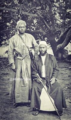 1896 Sayyid Sir Ali bin Salim Albusaidi seated the Liwali of Mambrui, Malindi. Sir Ali bin Salim Al Busaidi Muslim club is named after him. African Culture, African History, Mombasa Kenya, African Royalty, Somali, Africa Fashion, East Africa, Old Pictures, One Pic