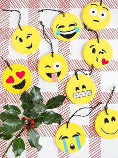 Emojis feitos em biscuit