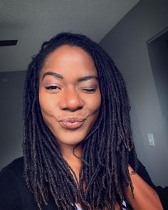 can't wink to save my life. 😘😅 #luvyaself #road2locs #loclove #blackwomenhairstyles #blackwomenwithlocs