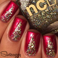 Create a simple, but highly elegant, manicure this holiday season with this Christmas Nail Art Tutorial from Sloteazzy.