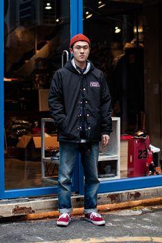 Hat   Brixton Jacket   CAPTAIN FIN CO. Shirt   INTERBREED Pants   Levi's Shoes   Vans On the street… Kim Hyunwoo Busan
