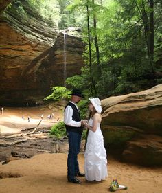 Ash Cave Wedding in Hocking Hills