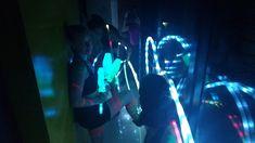 Performances malabaristas de luzes em eventos de Humor e Circo Produtora em São Paulo.  Contate-nos humorecirco@gmail.com (11) 97319 0871 (21) 99709 6864 (73) 99161 9861 whatsapp. Humor, Concert, Giant Bubbles, Openness, Lights, Corporate Events, Artists, Humour, Funny Photos