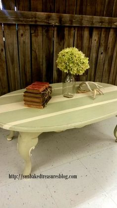 Moss & cream table