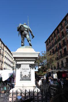 Spain-Madrid-El Rastro-Cascorro /Truiz