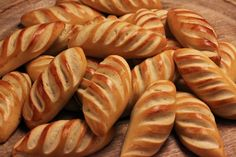 Butterzwerge - HomeBaking - posted by www. Hot Dog Buns, Hot Dogs, Bread Bun, Home Baking, Favorite Recipes, Breakfast, Ethnic Recipes, Smart Women, Pasta