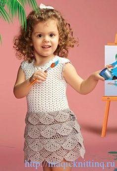 crochelinhasagulhas: Vestido bicolor em crochê para menina