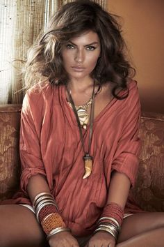 loose blouse, eye catching accessories, shimmery bronzed face....SUMMER!