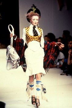 Vivienne Westwood Fashion Show, from the Anglomania Collection, Fall/Winter 1995 Quirky Fashion, Punk Fashion, Timeless Fashion, Runway Fashion, High Fashion, Vintage Fashion, Womens Fashion, British Fashion, Fashion Top