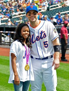 Gabrielle Douglas Photos - Citi Field Kids Program Hosts Gabby Douglas - Zimbio
