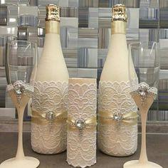 Wedding decorations diy decor wine bottles for 2019 Wedding Wine Bottles, Wedding Champagne Flutes, Wedding Glasses, Champagne Bottles, Diy Bottle, Wine Bottle Crafts, Bottle Art, Diy Centerpieces, Diy Wedding Decorations
