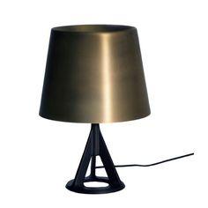 605€ Base Light bordslampa i gruppen Belysning / Lampor hos RUM21.se (104716)