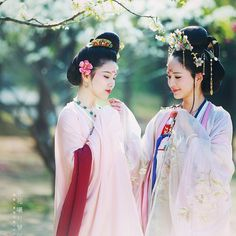 Archive for Chinese History, Culture, & Creativity Chinese Drawings, Asian Fashion, Chinese Fashion, We Are The World, Chinese Clothing, Chinese Culture, Chinese Style, Traditional Chinese, Hanfu