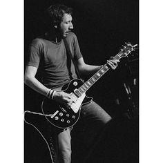 Pete Townshend's Numbered Gibson Les Paul Guitars Music Guitar, Cool Guitar, Guitar Chords, John Entwistle, Pete Townshend, Roger Daltrey, Les Paul Guitars, Best Guitarist, Gibson Les Paul