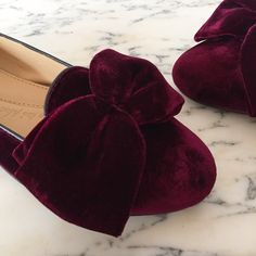 So excited to announce the Elisabeth Thurn und Taxis X Chatelles haute couture capsule collection @elisabethtnt @supermatinyc More details to come soon ✨ #ShineInFlats #ElisabethTNTxChatelles #slippers #Chatelles