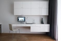 Jak przystosować dom do pracy zdalnej? - tryc.pl Office Desk, Corner Desk, Study Ideas, Furniture, Home Decor, Corner Table, Desk Office, Decoration Home, Desk