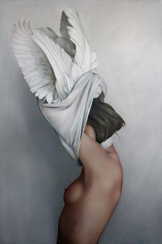 Artist – Amy Judd Art. Belle grâce d'une femme qui ôterait ses plumes.