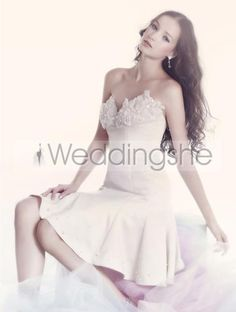 Chic A-Line Short/Mini-Length Sweetheart Wedding Dress with Flowers Bodice