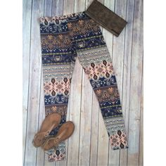 Boho paisley leggings These leggings are anything but boring! They are born to be worn with a flowy tunic for a complete boho-chic summer look! Sizes are S/M/L. Posh by Nina Pants Leggings
