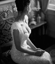 Gorgeous vintage wedding dress. Love the pearls! <3