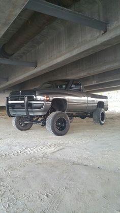 Dodge Trucks, Lifted Trucks, Pickup Trucks, 2nd Gen Cummins, Workout Routine For Men, Diesel Trucks, Jeeps, Country Life, Mopar