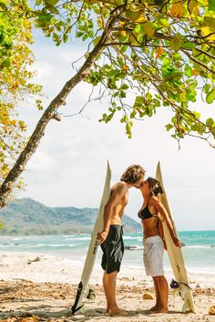 Costa Rica beach elopement   Read More: http://www.stylemepretty.com/little-black-book-blog/2014/06/25/surprise-beach-elopement-in-costa-rica/   Photography: A Brit & A Blonde - abritandablonde.com