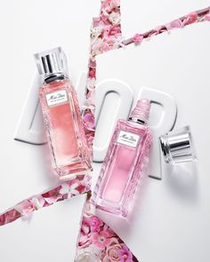 MISS DIOR ROLLER-PEARL - At the heart of Miss Dior Roller pearls beats a profusion of vibrant flowers, ready to print on the skin their… Miss Dior, Dior Poison Perfume, Christian Dior, Couture Mode, Cosmetics & Perfume, Beauty Packaging, Perfume Bottles, Pearls, Instagram
