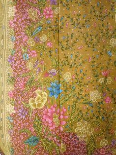 Batik demak with pink edge stunning beauty and classy. Batik Art, Batik Pattern, Art Of Beauty, Sarongs, Cotton Silk, Java, Ikat, Handicraft, Galleries