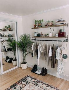 Room Ideas Bedroom, Home Bedroom, Bedroom Inspo, Apartment Bedroom Decor, Square Bedroom Ideas, Bedroom Ideas For Small Rooms, Ikea Small Bedroom, Girls Bedroom Colors, Hippy Bedroom