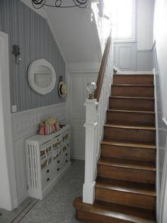 Super Ideas Wooden Stairs Detail Home Open Stairs, Entry Stairs, Floating Stairs, Narrow Staircase, Painted Staircases, Painted Stairs, Neoclassical Interior, Escalier Design, Iron Stair Railing