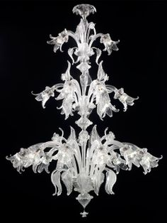 """Model Calle Schiavon 47"""" Diameter by 63""""  Shown in an all clear finish. Three tiers, 21lights (12+6+3).  $18.500,00"""