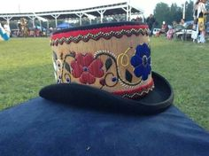 Quilled top hat