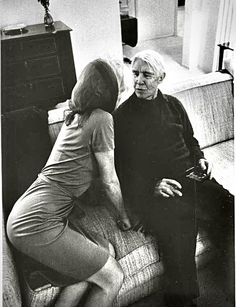 Marilyn with Carl Sandburg in January Photo by Arnold Newman. Marilyn Monroe 1962, Marilyn Monroe Photos, Patricia Neal, Little Girl Lost, Famous Mexican, Star Wars, Norma Jeane, Rare Photos, In Hollywood