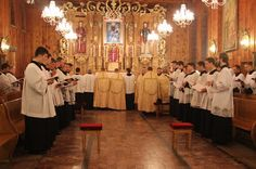 2nde session d'Ars Celebrandi en Pologne : ateliers pour apprendre à célébrer, chanter, servir la messe traditionnelle http://www.newliturgicalmovement.org/2015/08/ars-celebrandi-worshops-to-be-held.html?utm_content=buffercf116&utm_medium=social&utm_source=pinterest.com&utm_campaign=buffer