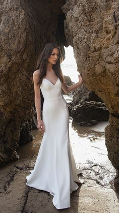 Plain & Simple, this wedding dress is CHIC. The Whitley Gown by Jenny by Jenny Yoo 2019 bridal is a flirty fit & flare silhouette in our sleek & flexible Knit Crepe. Spaghetti strap V neckline, with a modern captivating open back…Read Plain Wedding Dress, Western Wedding Dresses, Wedding Dress Styles, Sleek Wedding Dress, Spagetti Strap Wedding Dress, Summer Wedding Dresses, Wedding Dresses Short Bride, Simple Elegant Wedding Dress, Elegant White Dress