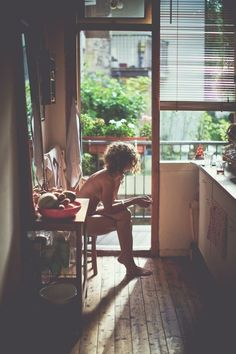 Pretty Girls in the Kitchen : Photo Life Is Beautiful, Beautiful People, Beautiful Images, Into The Wild, Easy Like Sunday Morning, Oldschool, Foto Art, Foto Pose, Sensual